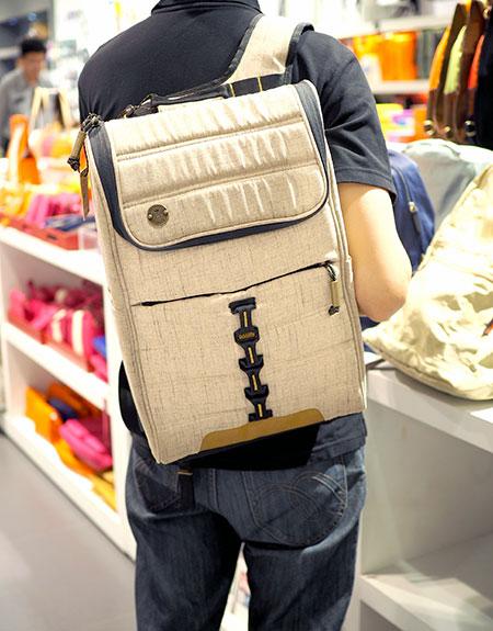 กระเป๋าเป้ แบรนด์ FOCUSED SPACE