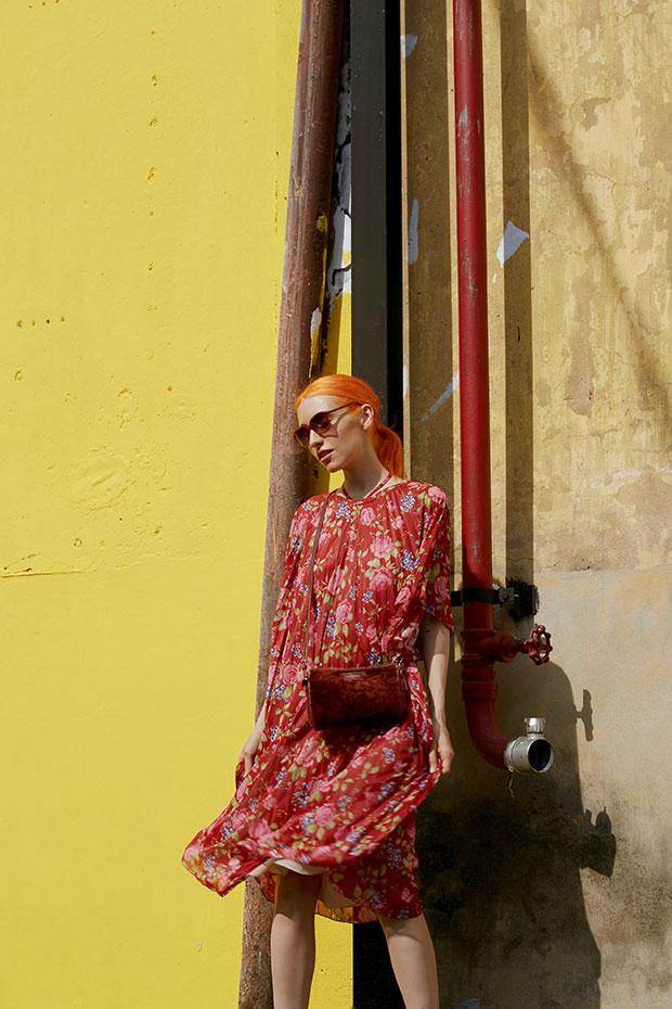 กระเป๋า Balenciaga Bazar Shearling Pouchette