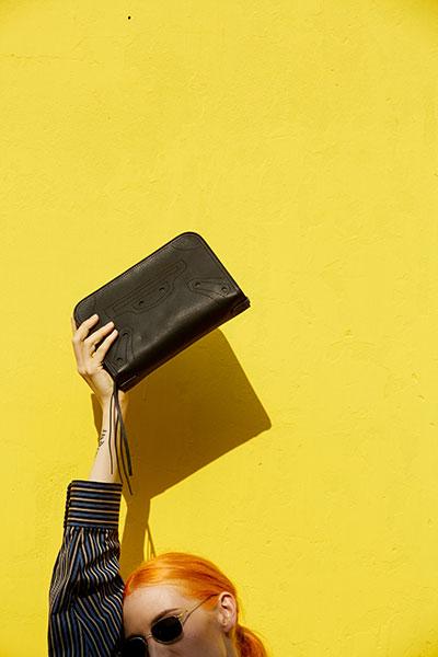 กระเป๋า Balenciaga Blackout Reporter