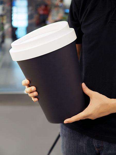 ถังขยะรูปแก้วกาแฟ แบรนด์ QUALY