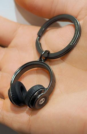พวงกุญแจรูปหูฟัง