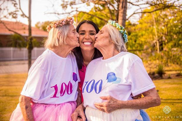 คุณย่าฝาแฝดฉลองวันเกิด 100 ปี
