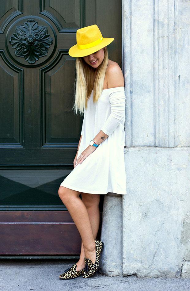 เดรส Asos, รองเท้า Massimo Dutti, หมวก The Blonde Bliss, นาฬิกา Cluse