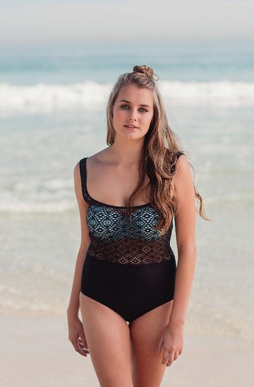 ชุดว่ายน้ำสำหรับผู้หญิงหน้าอกใหญ่