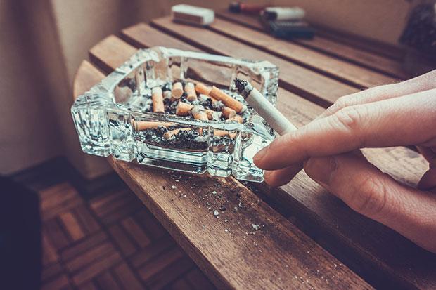 บริษัทญี่ปุ่นเพิ่มวันหยุด 6 วันชดเชยให้แก่ผู้ไม่สูบบุหรี่