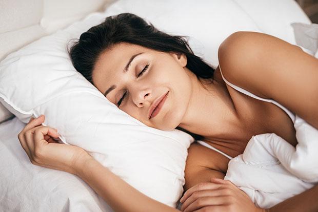 วิธีดูแลผิว นอนหลับพักผ่อนให้เพียงพอ