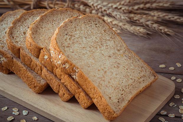 ขนมปังโฮลวีต อาหารเช้าที่แพทย์ว่าทานแล้วก็ยังหน้าท้องแบนราบ