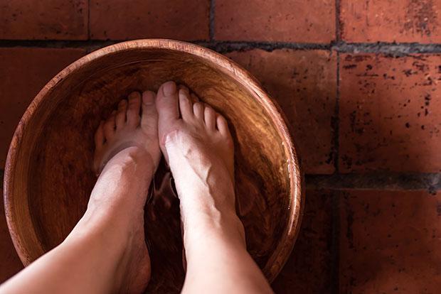 เท้าแช่น้ำคลายเครียดหลังเลิกงาน