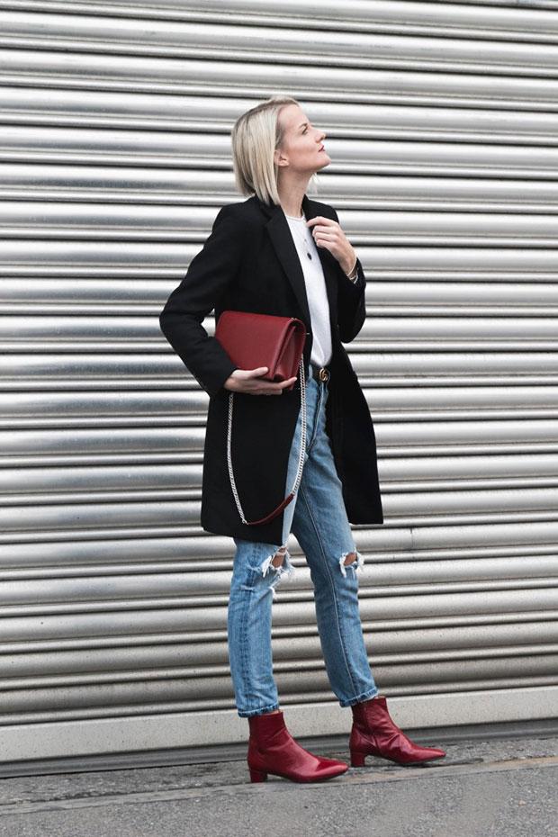 เสื้อโค้ท Zara, กางเกงยีนส์ Levi's, กระเป๋า Agneel, เข็มขัด Gucci