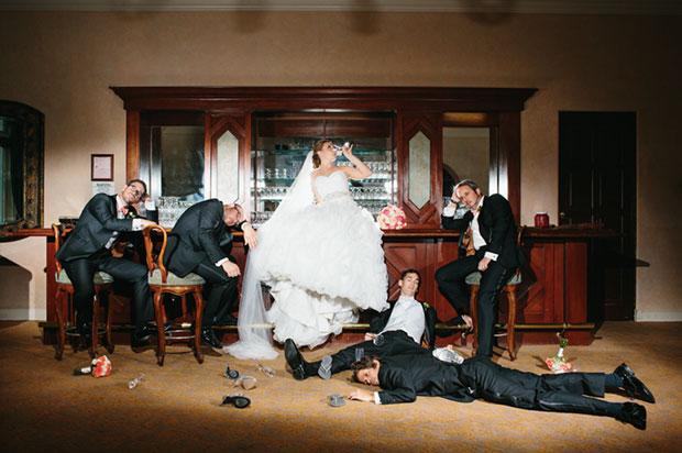 กลุ่มเพื่อนเจ้าบ่าวกับการยกระดับความเฟี้ยวของการถ่ายรูปในงานแต่งงาน