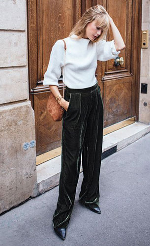 กางเกงกำมะหยี่สีเขียว, สเว็ตเตอร์สีขาว