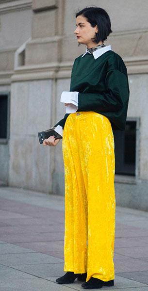กางเกงกำมะหยี่สีเหลือง, สเว็ตเตอร์สีเขียว, เสื้อเชิ้ตขาว