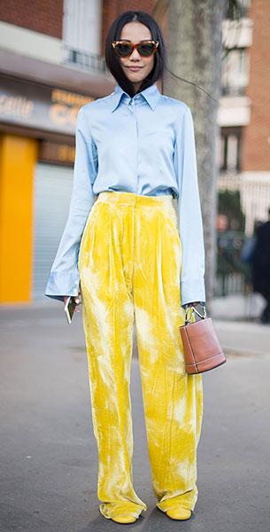 กางเกงกำมะหยี่สีเหลือง, เสื้อเชิ้ตสีฟ้า