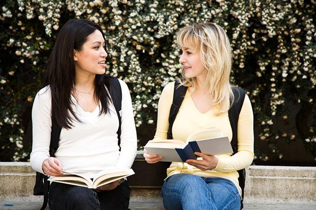 การเป็นผู้ฟังที่ดีจะช่วยให้เข้ากับผู้อื่นได้ง่ายที่สุด