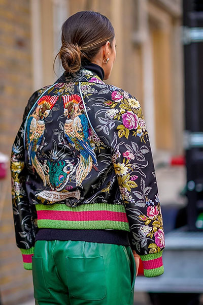 เสื้อแจ็คเก็ตบอมเบอร์ เทรนด์แฟชั่นที่เอ้าท์แล้ว