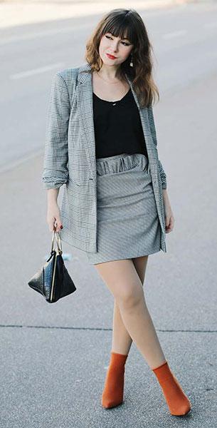 Sock Boots Zara, เสื้อสูท Asos, กระโปรง H&M, กระเป๋า Zalando