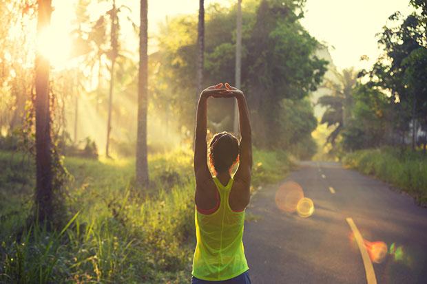 นี่คือพฤติกรรมของสาวๆที่ออกกำลังกายในตอนเช้าทำ