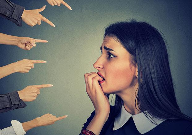 ผลร้ายของการตัดสินและคิดเหมารวมผู้อื่นในแง่ลบ