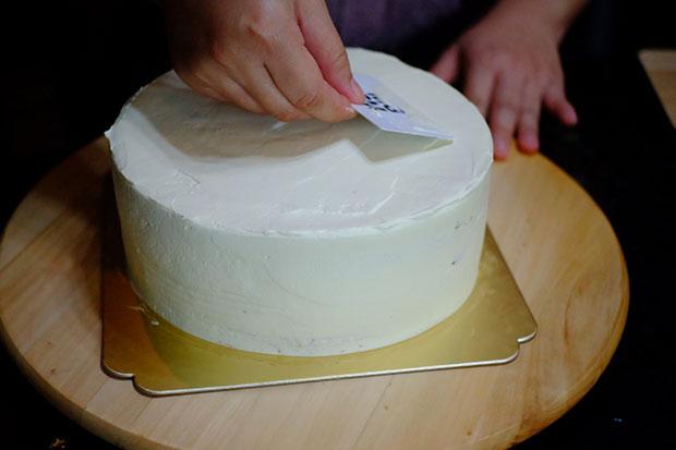 สอนวิธีทำสตรอเบอรี่ช็อทเค้ก