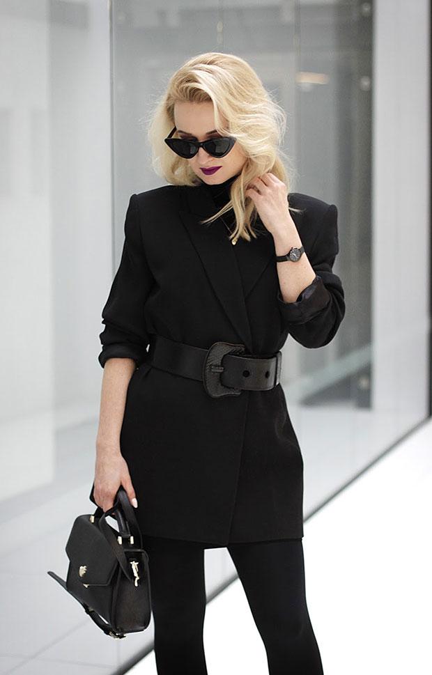 เสื้อ Zara, รองเท้าบู๊ท Stradivarius, แว่นตากันแดด TheBlogShop, นาฬิกา Bergstern, สร้อยคอ AriaStyle