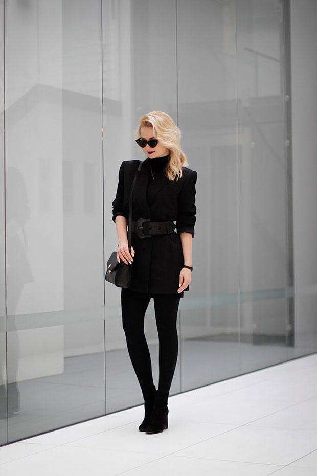 เสื้อ Zara, รองเท้าบู๊ท Stradivarius, แว่นตากันแดด TheBlogShop, สร้อยคอ AriaStyle, นาฬิกา Bergstern