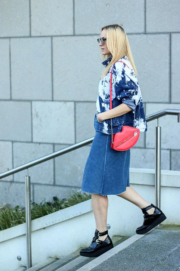แจ็คเก็ต Forever 21, กระโปรง Zara, รองเท้า Zara, กระเป๋า H&M, สร้อยคอ Zara