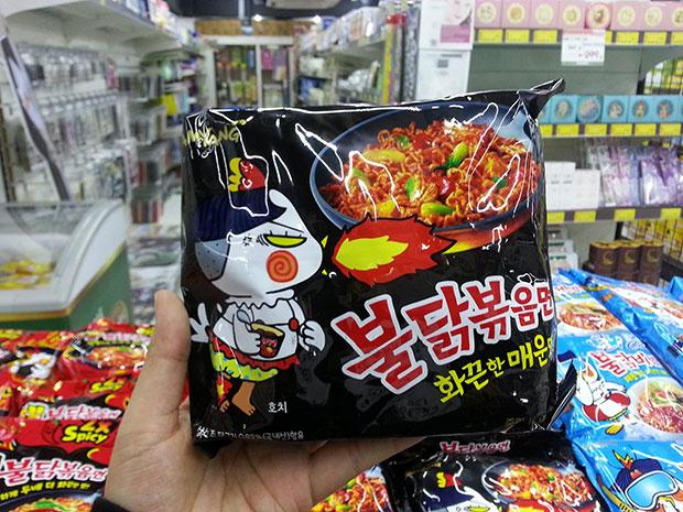 K Market มาม่าเกาหลีรสเผ็ด