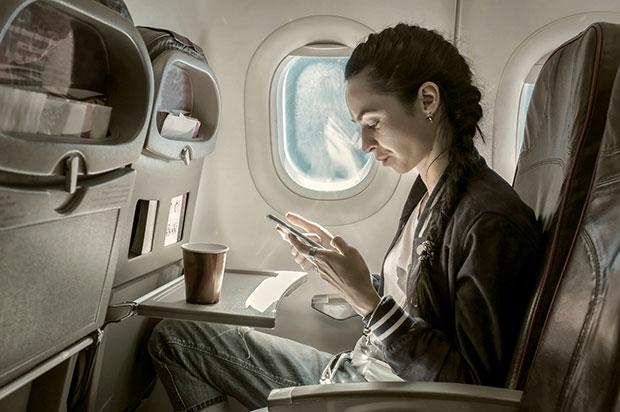 จะเกิดอะไรขึ้นกับผิวในยามที่เดินทางโดยเครื่องบิน
