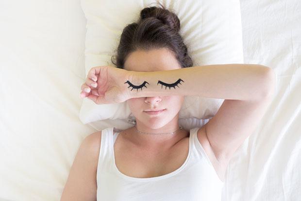 ทำไมเหงื่อออกเยอะตอนนอน