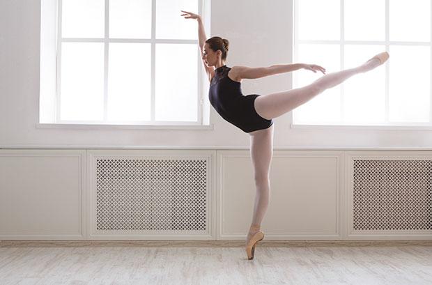 ท่าฝึกเองได้เพื่อรูปร่างสง่างามแบบนักเต้นบัลเล่ต์