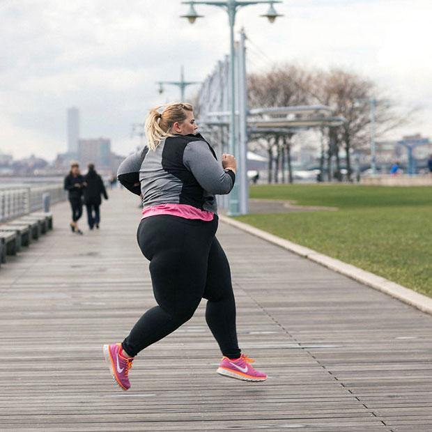 นางแบบไซส์พิเศษกับแฟชั่นชุดออกกำลังกายที่เป็นกระแสจน