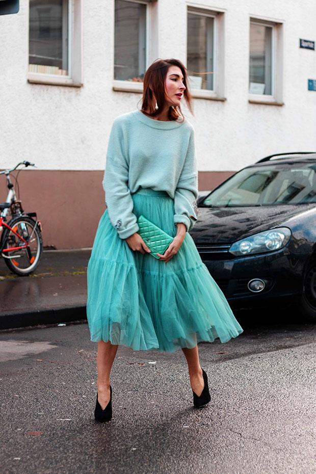 สเว็ตเตอร์ H&M, กระโปรง Asos, รองเท้าส้นสูง Asos, กระเป๋า Chanel