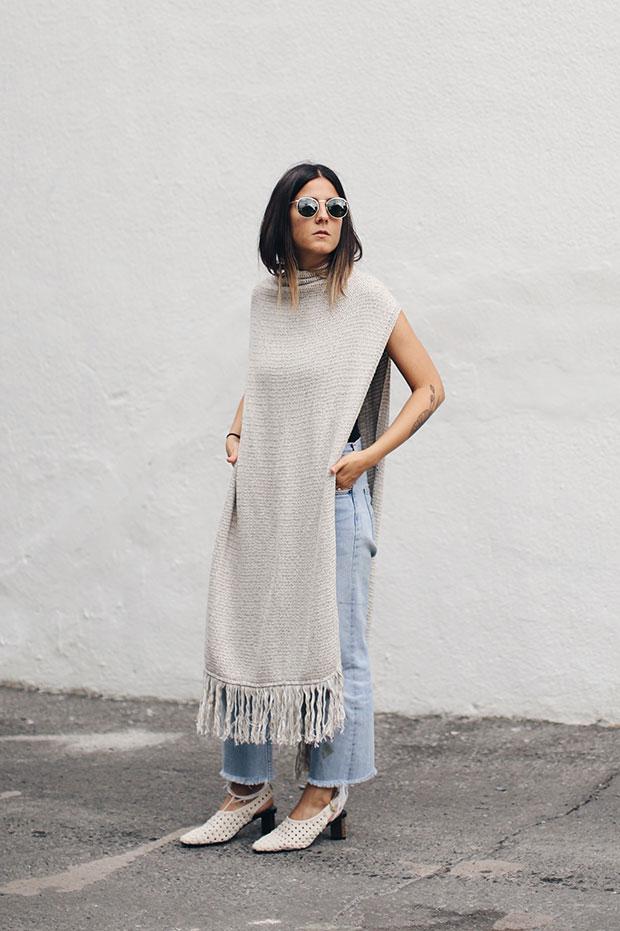 เสื้อ Mango, รองเท้าส้นสูง Zara, กางเกงยีนส์ Levi's