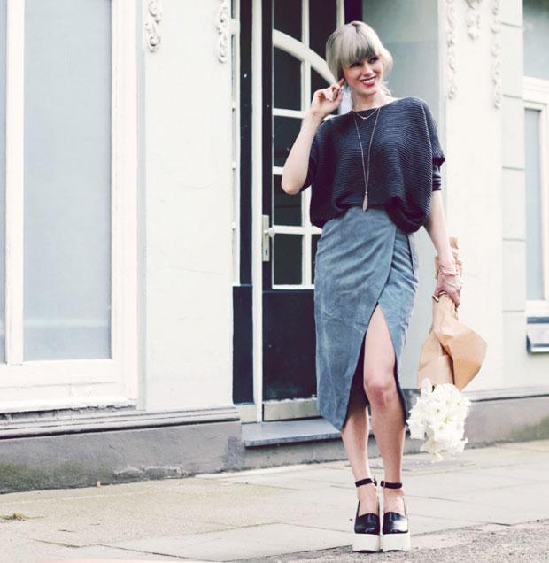 Asos Sweater, Asos Skirt, Rochas Shoes, Nylon Jewelry