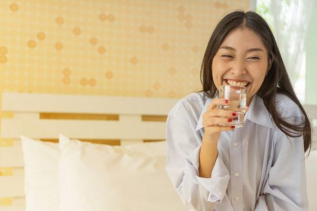 ดื่มน้ำเปล่าแทนเครื่องดื่มอื่นๆติดต่อกัน 30 วัน