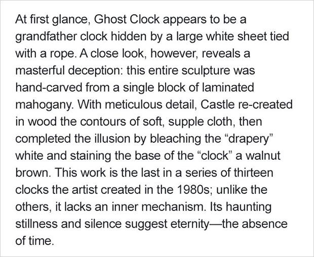 นาฬิกาคลุมด้วยผ้าซึ่งความจริงแล้วมันคือไม้ทั้งหมด