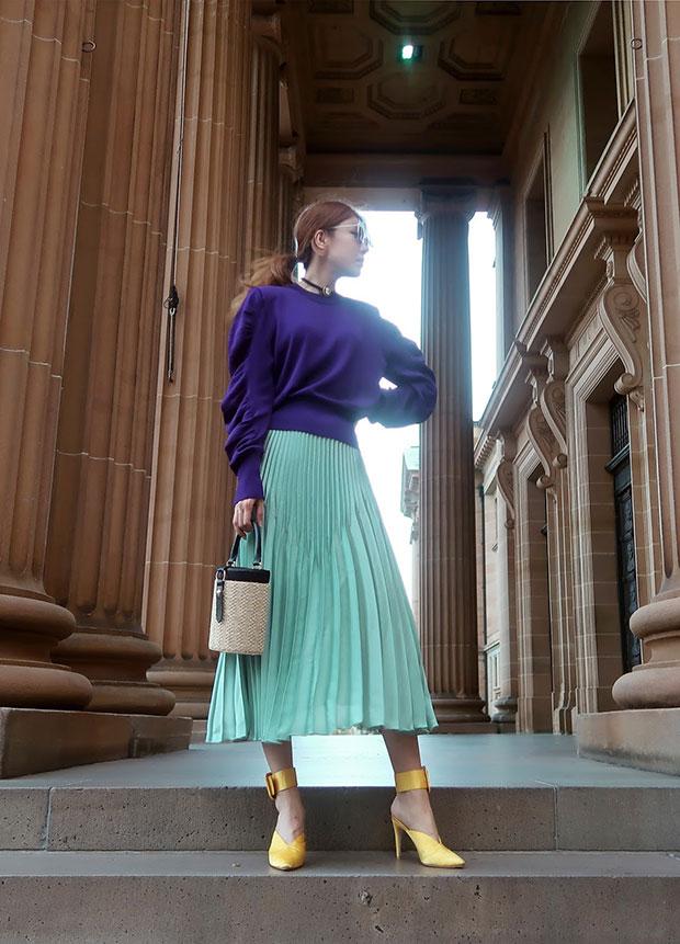 เสื้อ H&M, กระโปรง H&M, รองเท้า Raye, กระเป๋า LPA