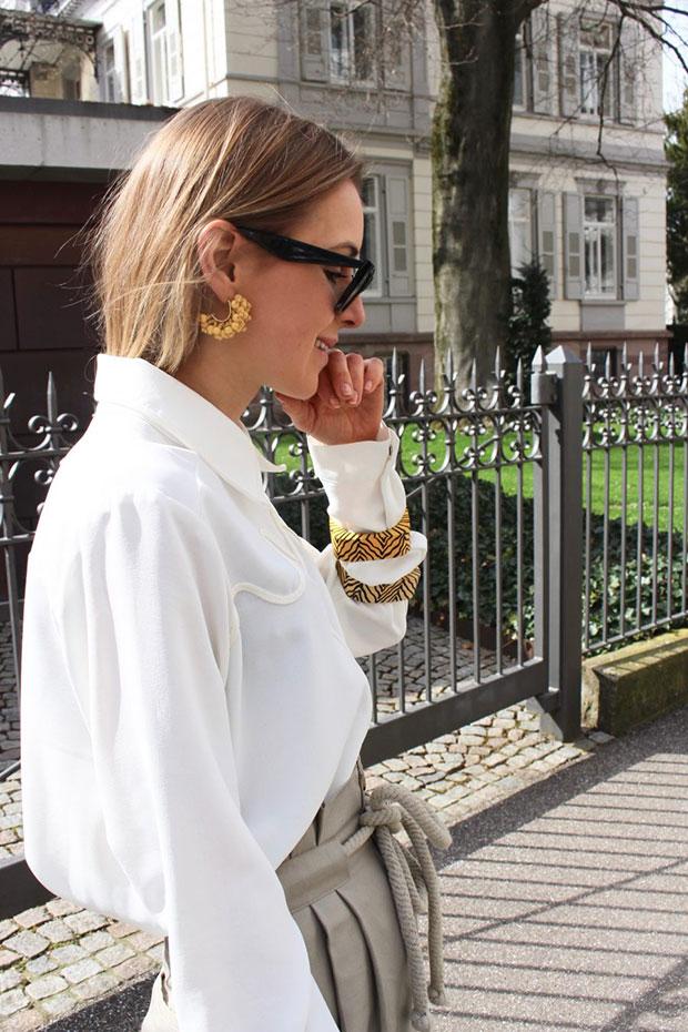 เสื้อ Zara, กางเกง H&M, รองเท้า Zara, กระเป๋า Mango, ต่างหู Mango, แว่นตากันแดด Céline
