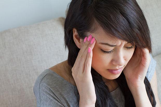 ปัจจัยที่เป็นสาเหตุอาการปวดศีรษะและไมเกรน