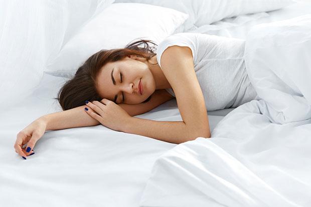 พฤติกรรมบ่อนทำลายการนอนหลับและวิธีแก้ไข