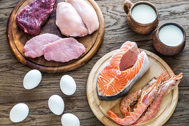 สัญญาณที่บ่งบอกว่าร่างกายกำลังขาดโปรตีน