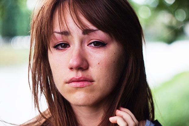 เกิดอะไรขึ้นกับร่างกายเมื่อคนเราร้องไห้