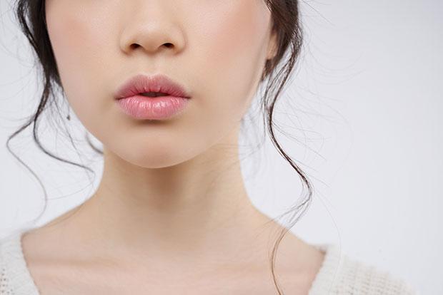 วิธีป้องกันและรักษาริมฝีปากแห้งแตกอย่างได้ผล