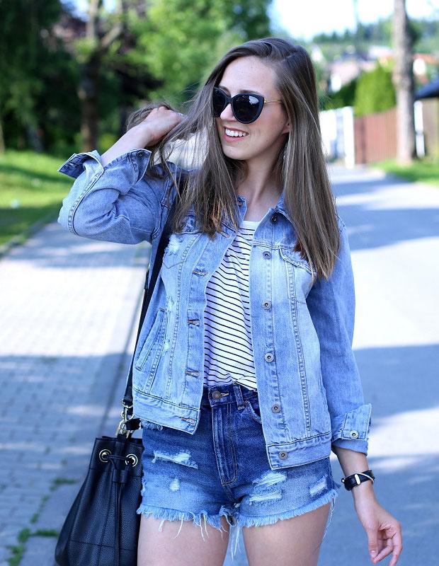 แจ็คเก็ต Reserved, เสื้อ Reserved, รองเท้า Converse, กางเกงขาสั้น Zara