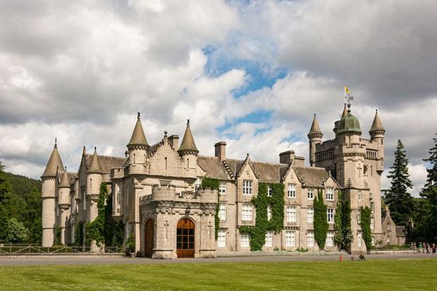 ปราสาทแบลมอรัล สกอตแลนด์ ราชวงศ์อังกฤษ