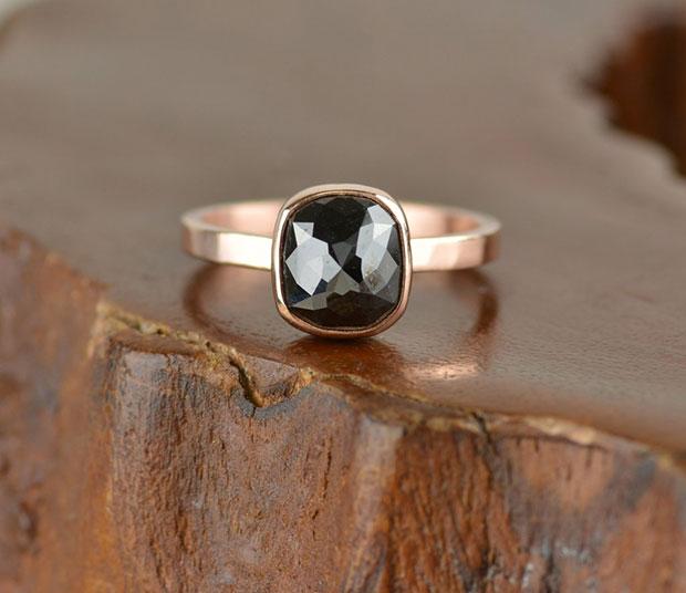 สีดำ แหวนหมั้น