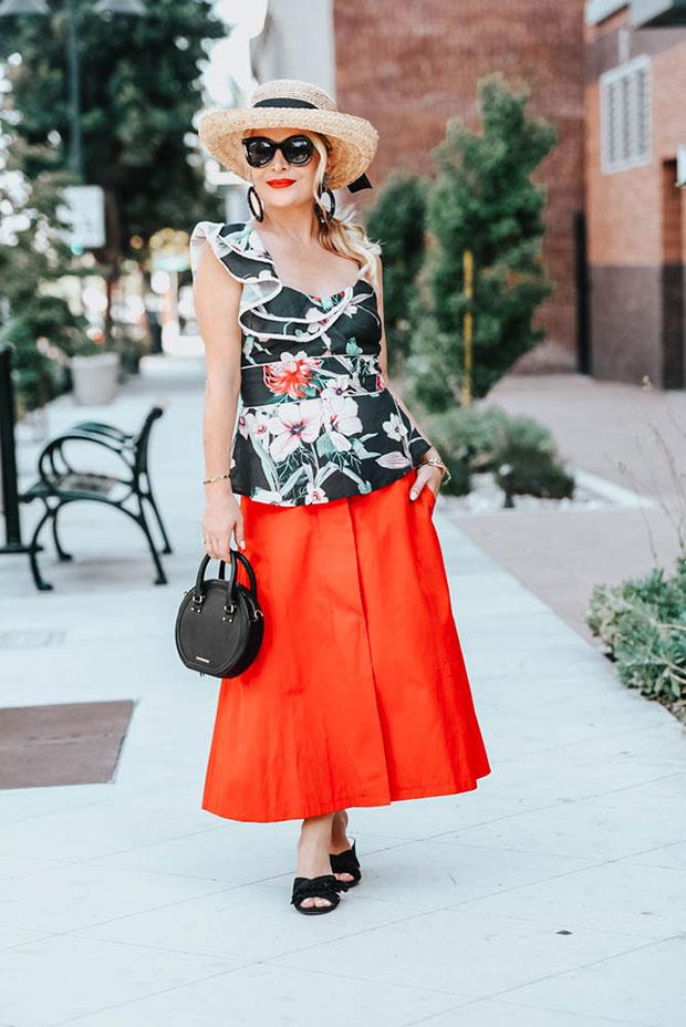เสื้อ Adleyn Rae, กระโปรง Nordstrom, กระเป๋า Rebecca Minkoff, รองเท้า Picnpay