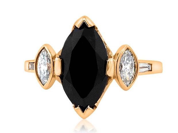 แหวนแต่งงานดำ
