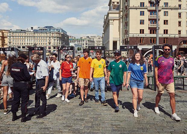 HiddenFlag ประท้วงกฎหมายต่อต้านการรักร่วมเพศในรัสเซีย