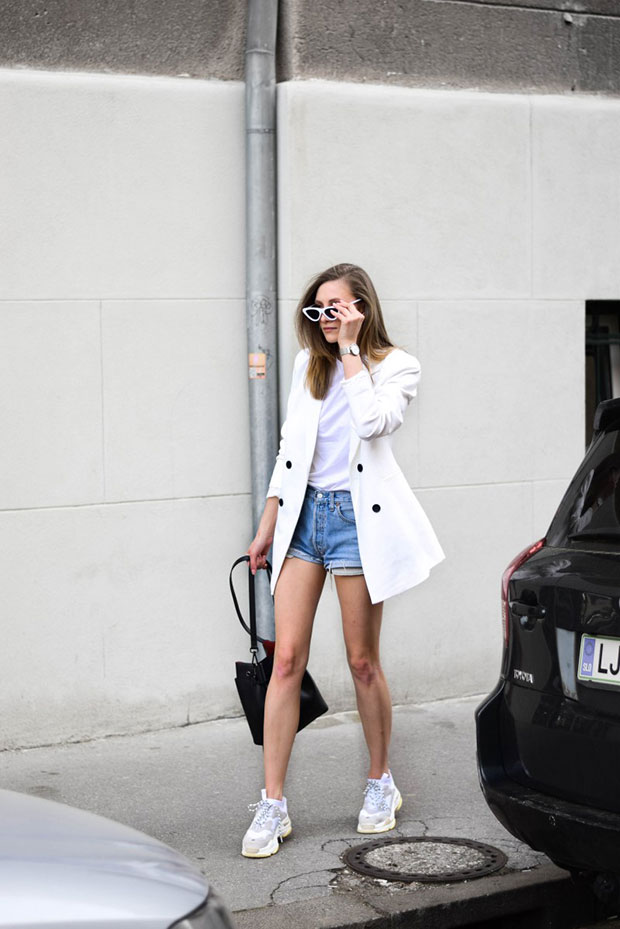 JDY Blazer, Asos T Shirt, Levi's Shorts, Jessica Buurman Sneakers, Camelia Roma Bag